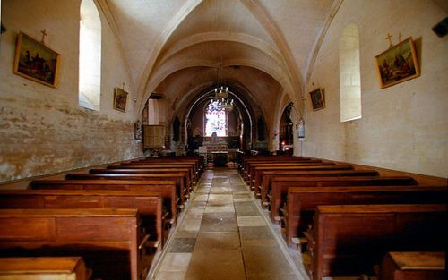 La Reine Pedauque | The church of Chateauneuf