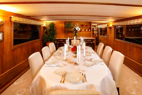 The Dining area on board La Reine Pedauque
