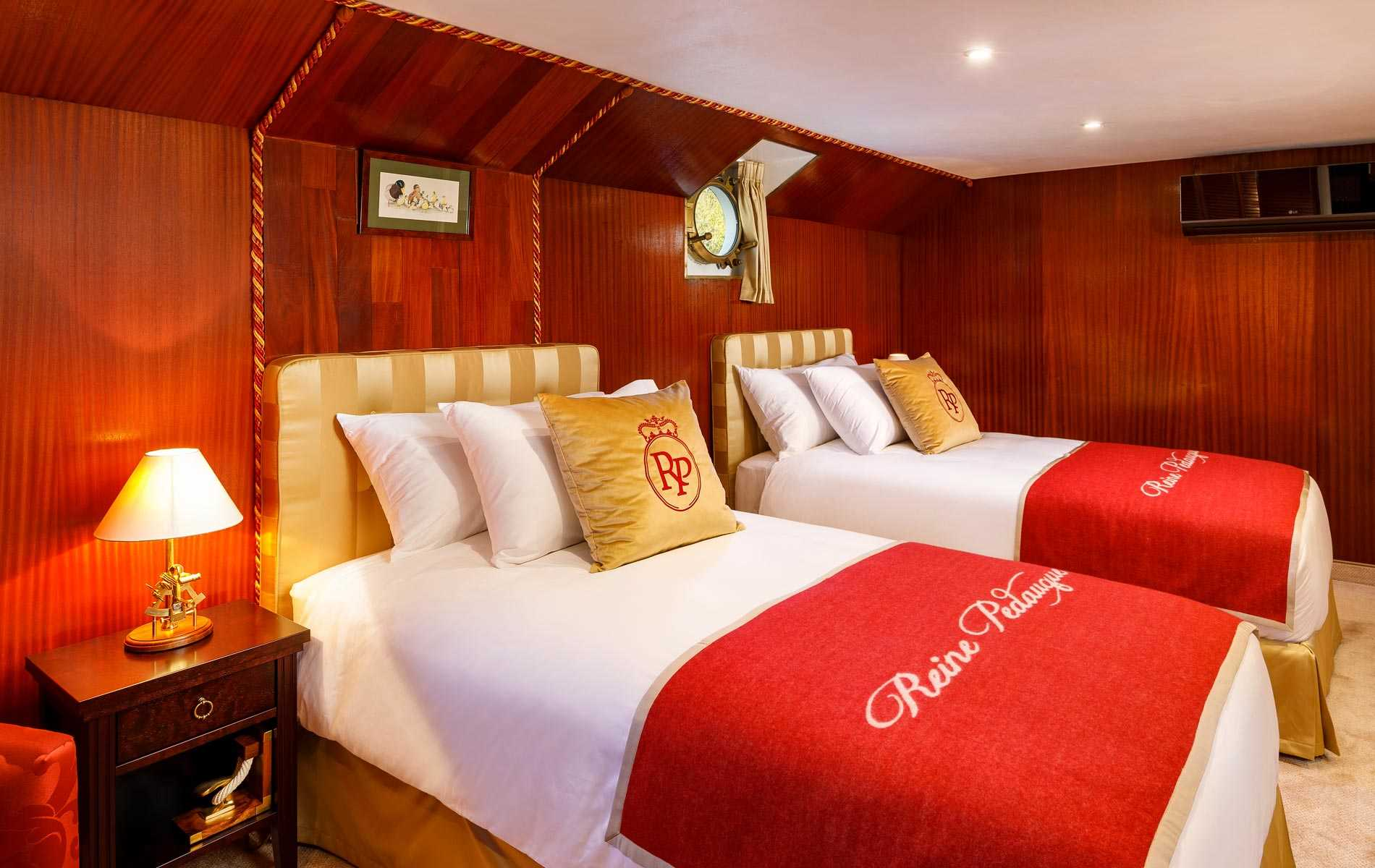 The Royal Suite no2 on board La Reine Pedauque