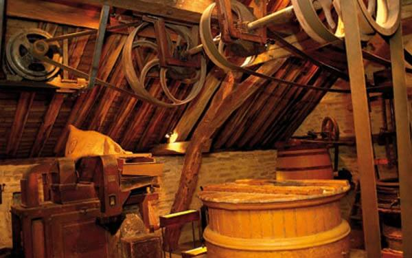 Visit the Fallot mustard mill with La Reine Pedauque